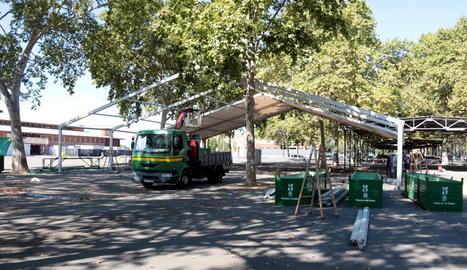 Desmunten la carpa instal·lada a Fira de Lleida perquè els usuaris dels pavellons poguessin complir el confinament
