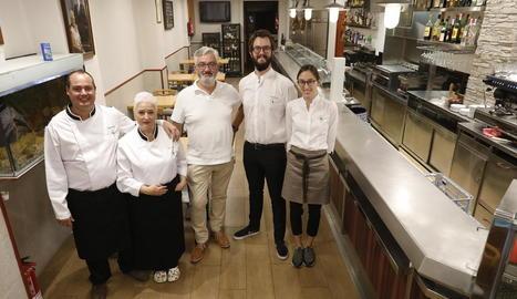 L'equip del nou restaurant Bellera, que podria obrir les portes aquesta mateixa setmana.