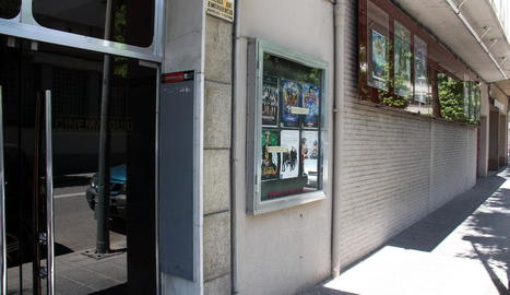 L'exterior dels Cinemes Guiu de la Seu d'Urgell.