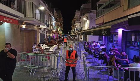 Imatge d'arxiu d'un carrer de Sitges.