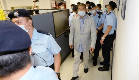 Moment de la detenció del magnat Jimmy Lai.