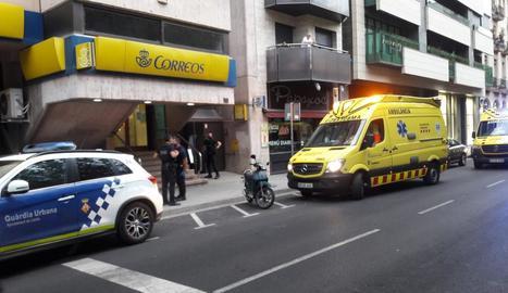 Els serveis d'emergència, dimarts a la rambla Ferran.