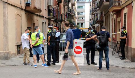 La sobrecàrrega de la instal·lació elèctrica punxada il·legalment, possible causa de l'incendi mortal de la Barceloneta