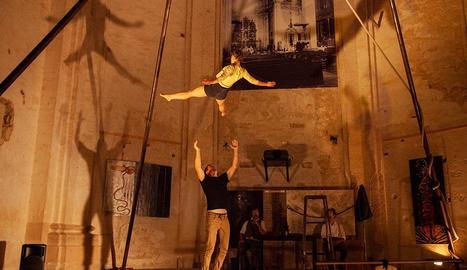 Imatge d'un dels assajos de la companyia de teatre contemporani Nilak, que actua avui.