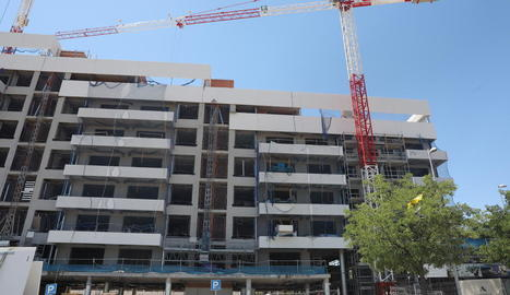 Imatge d'un edifici en construcció.