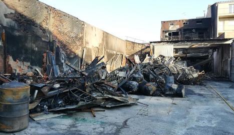 Estat en el qual va quedar la part posterior del taller, que va ser la més afectada pel foc.