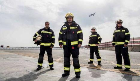 'Cinc dies a...' a l'aeroport