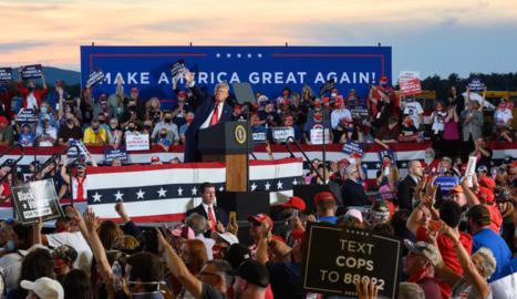 El president nord-americà, Donald Trump, ahir, durant un míting a New Hampshire.