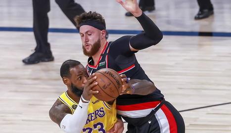 LeBron James, en una acció del partit contra el Portland.