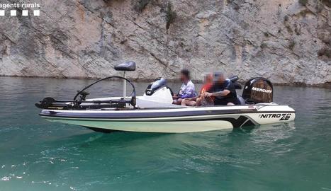 Els Agents Rurals van sancionar el titular de l'embarcació.