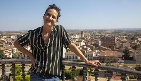La directora artística de FiraTàrrega, Anna Giribet, al Parc de Sant Eloi dimecres passat.