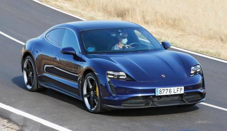 El Porsche Taycan té les prestacions d'un esportiu i el confort d'una berlina.