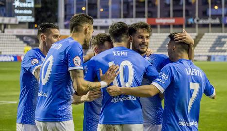 Jugadors del Lleida celebren un gol en un partit de la temporada passada.
