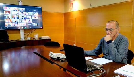 Reunió telemàtica d'alcaldes de l'Estat contra el Reial Decret Llei acordat pel govern espanyol i la FEMP per cedir el romanent de tresoreria per a la reactivació socioeconòmica.