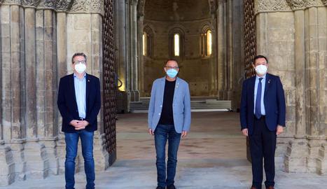 Joan Talarn, Miquel Pueyo i Ramon Farré van presentar ahir l'agenda de la Diada Nacional.