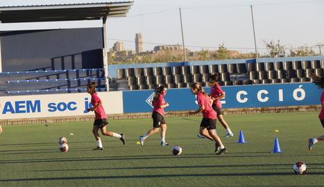 Jugadores de l'AEM, durant un entrenament.