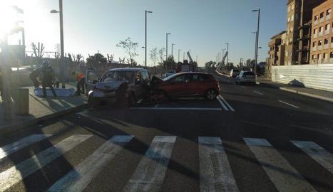 Un cotxe i una furgoneta han xocat a prop de l'estació
