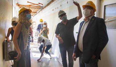 Bargalló va visitar ahir les obres de l'institut Ribera del Sió d'Agramunt.