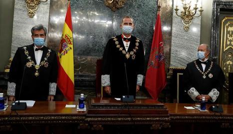 Lesmes i Felip VI, ahir, durant l'obertura de l'any judicial.