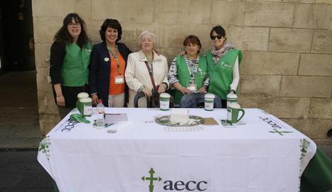Una de les campanyes de l'AECC de Lleida l'any passat.