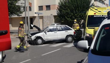 Xoc entre dos cotxes a Agramunt sense ferits de gravetat