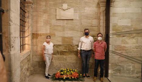 La Marxa de Torxes es va convertir aquest any en una encesa simbòlica de torxes davant l'edifici del Roser.