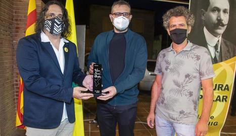 L'alcalde, el guanyador i el president del consell de l'Urgell.