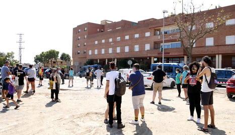 Detinguts quatre membres del CDR de Balaguer per una crema de neumàtics a les vies del tren