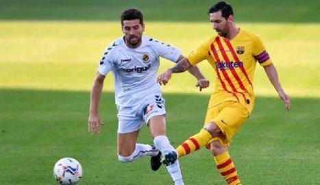Messi, titular i capità.