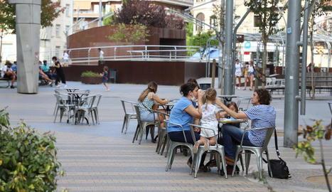 Una de les terrasses de Lleida que veuran aixecar les restriccions a partir de dijous.