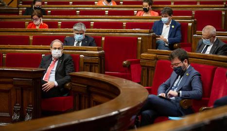 El president Torra i el vicepresident Aragonès, al Parlament.