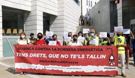 Lleida acull el primer judici a Catalunya a una persona vulnerable per l'impagament de factures de la llum
