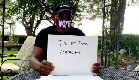 L'actor Samuel L. Jackson ensenya a insultar en català per animar el vot als Estats Units