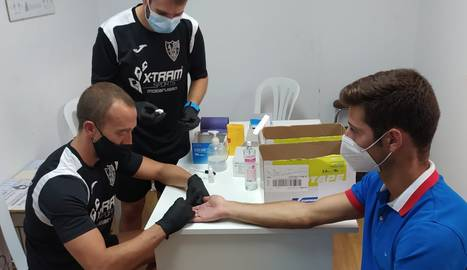 El Mollerussa va fer ahir tests serològics a jugadors i tècnics de la primera plantilla.