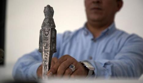 Una figura espoliada, al documental 'Antigüedades de sangre'.