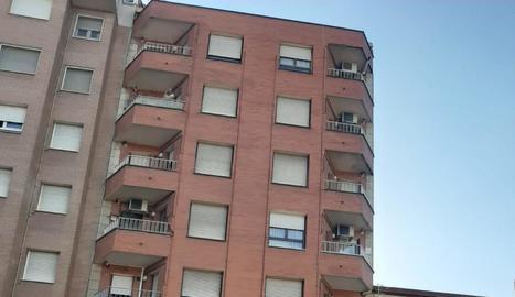 Un home mata a un altre en un pis de barri lleidatà de Cappont