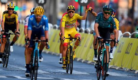 L'última jornada del Tour de França va ser un homenatge al jove guanyador, Tadej Pogacar.