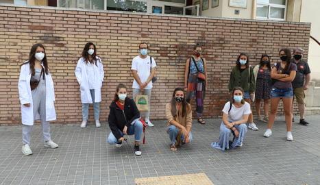 Una concentració a Lleida dels metges interns residents.