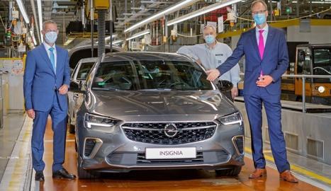 El nou Opel Insignia s'ofereix amb dos versions amb carrosseria berlina Grand Sport o familiar Sports.