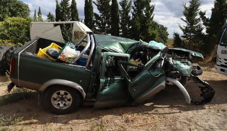 Vista del totterreny que conduïa la víctima i que es va accidentar ahir a Maials.