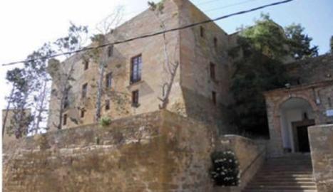 Montclar, amb castell i túnel del canal d'Urgell