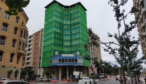 Lífting per a l'edifici dels sindicats