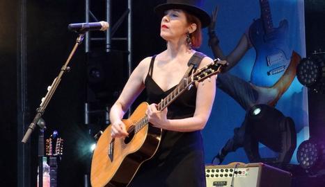 Suzanne Vega canta a NYC