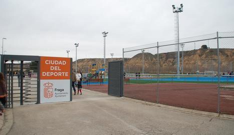 Vista de l'entrada a la Ciutat de l'Esport de Fraga.