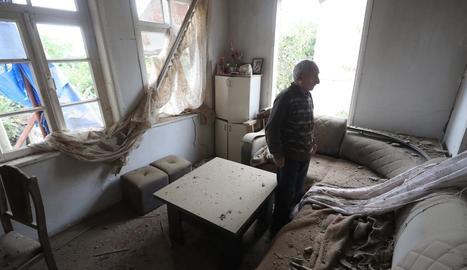 Un habitatge a Nagorno-Karabakh afectat pels atacs.