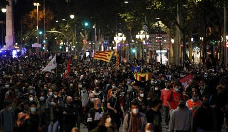 Manifestació de protesta convocada pels CDR, ahir, al centre de Barcelona.