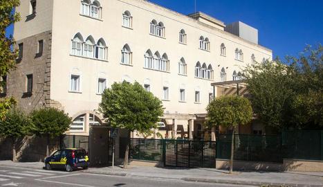 Imatge de l'exterior de la residència Monestir de Sant Bartomeu.