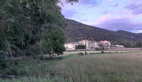 Els terrenys pendents d'urbanitzar pròxims al parc de bombers de la Seu.