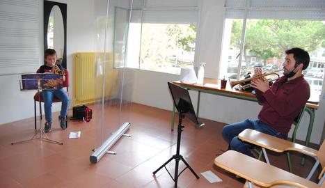 Una classe d'instruments de vent amb mampares.