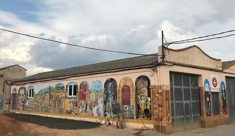 Palau de Noguera inaugura el mural que plasma la seua història